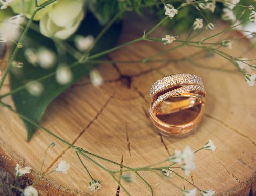 The Positives of Postponing your Wedding Now